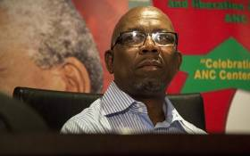 Cosatu Secretary General Bheki Ntshalintshali addresses the media at Cosatu house in Braamfontein  on 4 April 2017 on the trade union federation's call for President Jacob Zuma to step down. Picture: Reinart Toerien/EWN