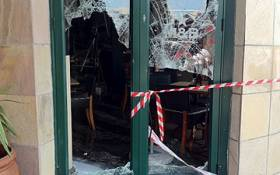 Eight people were injured following an explosion at the Mug & Bean at Festival Mall in Kempton Park on 2 February 2012. Picture: Taurai Maduna/EWN