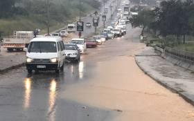 Flooding on London Road in Alexandra on 20 February 2017. Picture: Kgothatso Mogale/EWN