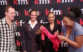 Kfm Mornings awards the #KfmRedJersey to Kayla Reyneke of Hoërskool Bellville