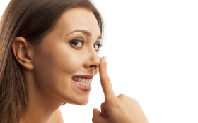 Senseless Survey: How often do you smell your fingers?