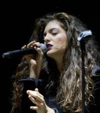 Lorde felt 'embarrassed' playing her songs to pals
