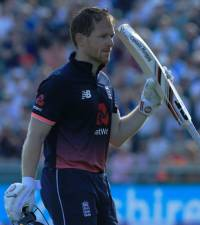 Morgan ton leads England to opening win over SA