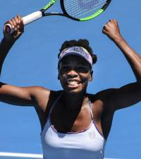 Venus braves the weather to beat Brazilian, Vesnina stunned