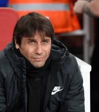 Pedro's header puts Chelsea in FA Cup semi-final