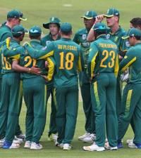 Cricket-SA seamers wreak havoc to secure consolation win