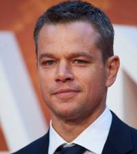 Matt Damon calls on fans to pray for his dad