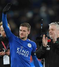 Vardy penalty, Mahrez strike help Leicester beat Watford