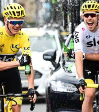 Tour champion Froome to race in 'vicious' Vuelta