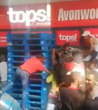 [WATCH] Disturbing video of people disregarding lockdown, clamouring for alcohol