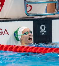 Tatjana Schoenmaker sets an Olympic Record in the 100m Breaststroke