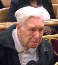 [WATCH] 90-year-old dad still takes care of son, so judge drops speeding charges