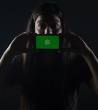 Here's what the new WhatsApp privacy policy actually means for consumers