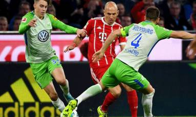 Wolfsburg earn comeback draw at Bayern to snap losing run