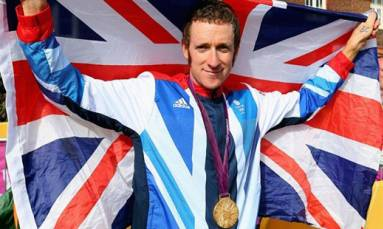 Wiggins to swap pedals for oars at indoor championships