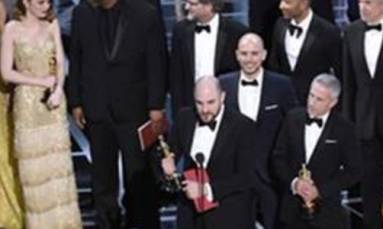 PricewaterhouseCoopers apologises for blunder at the Oscars