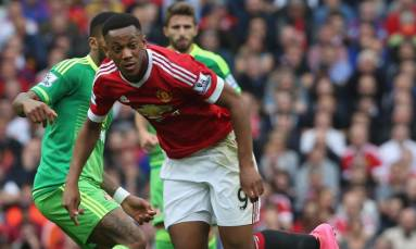 Mourinho challenges Martial to be more consistent