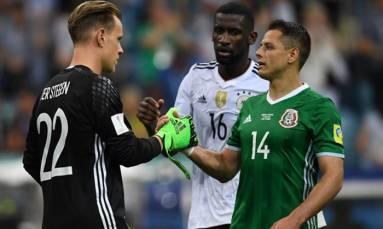 West Ham agree terms for striker Javier Hernandez