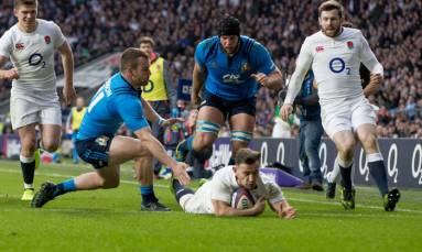 England on course for Six Nations title