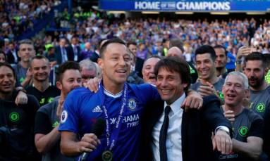 Champions Chelsea bid farewell to captain Terry with gold-topped trophy