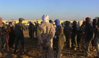 At least 25 dead in car bomb attack on Mali military camp