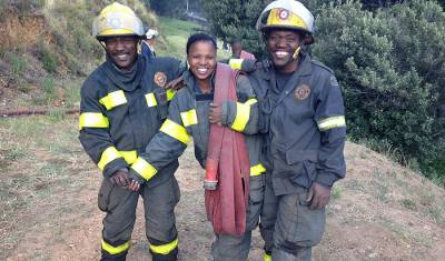 [GALLERY] Firefighting efforts in Vredehoek & Paarl