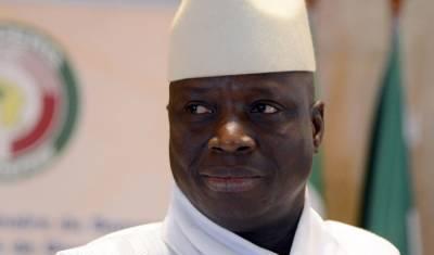 Gambians flee as Yahya Jammeh refuses to step down