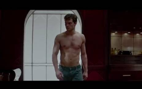 Jamie dornan reveals he 39 s 39 open minded 39 sexually for Youtube 50 shades of grey movie