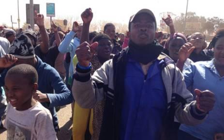 Protestors demanding better service delivery in Protea South near Soweto. Picture: Reinart Toerien/EWN