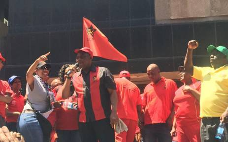 FILE: Cosatu president S'dumo Dlamini addresses supporters. Picture: Govan Whittles/EWN.