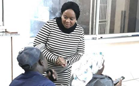 Gauteng Health MEC Gwen Ramokgopa interacts with a patient during an unannounced visit to Dr Yusuf Dadoo Hospital. Picture: @GautengHealth/Twitter