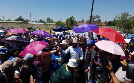 DA leader Mmusi Maimane greets supports in Atteridgeville. Picture: Twitter/Our_DA.