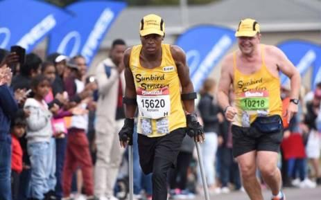 Amputee runner Xolani Luvuno taking part in the 2018 Comrades Marathon. Picture: @MMStadium/Twitter