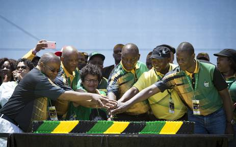 The ANC's top six cut the cake during its 106th birthday celebrations in East London. Picture: Sethembiso Zulu/EWN.