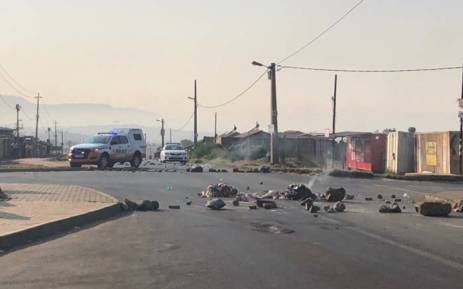 Protea Glen land protests flare up again, roads blocked