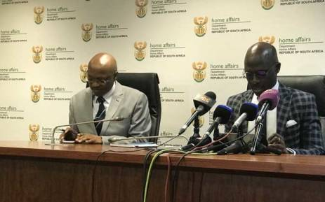 Home Affairs Director-General Mkuseli Apleni and Minister Malusi Gigaba briefing media on plans to modernise birth, marriage and death certificate application processes. Picture: Masechaba Sefularo/EWN.