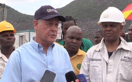 Vantage goldfield CEO Michael McChesney and Amcu president Joseph Mathunjwa briefing the media on rescue operations at the Lily Mine in Barberton Mpumalanga on 12 February, 2016. Picture: Kgothatso Mogale/EWN.