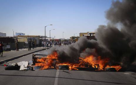 FILE: Disgruntled Vrygrond residents took to the streets on 17 April 2018 after they were evicted from a piece of land they were illegally occupying. Picture: Cindy Archillies/EWN