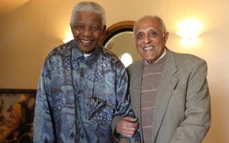 Former president Nelson Mandela joins anti-apartheid veteran Ahmed Kathrada on the eve of his 80th birthday in Houghton, Johannesburg, on 20 August 2009. Picture: Nelson Mandela Foundation.