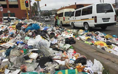 FILE: Rubbish has been strewn on the streets of Johannesburg following another violent demostration in the city. Picture: Vumani Mkhize/EWN.