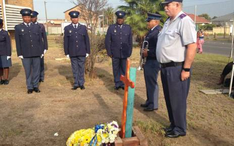 Police officers lay wreaths at the Ravensmead Police Station in honour of Constable Christopher Mouton. Picture: Lauren Isaacs/EWN