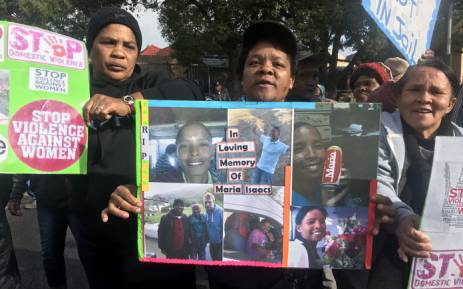 Wellington community members protest outside the magistrates court where murder accused Johan Williams made an appearance on 13 July 2018. Picture: Shamiela Fisher/EWN