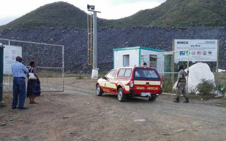 One of the mine rescue vehicles seen entering the Lily Mine in Mpumalanga. Picture: Kgothatso Mogale/EWN