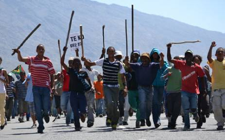 Protesting farm workers march through the De Doorns town centre on 6 November 2012. Picture: Aletta Gardner/EWN