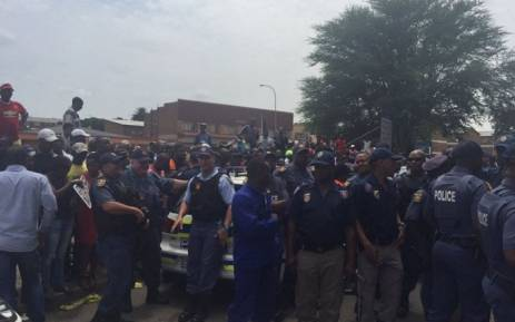 The situation in Kempton Park is tense after police allegedly arrested a man and suffocated him in their vehicle. Picture: Emily Corke/EWN.