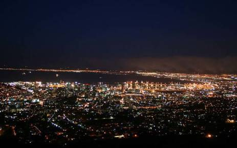 Cape Town city bowl lit up at night. Picture: Wikimedia Commons.
