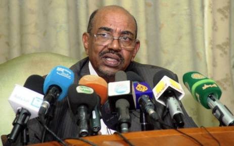 FILE. Sudanese President Omar al-Bashir speaks during a press conference on 30 November, 2014. Picture: AFP.