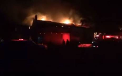 TRAFFIC: FIRE DESTROYS HISTORIC STRUCTURE AT LANZERAC ESTATE, CAPE TOWN (SEE PHOTOS)