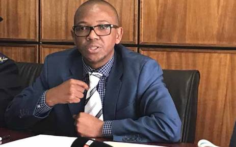 FILE: Deputy Police Minister Bongani Mkongi addressing the media at the Hillbrow police station. Picture: Kgothatso Mogale/EWN.