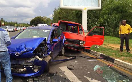 At least 15 people were injured after two taxis collided with multiple vehicles on William Nicol Drive. Picture: Twitter @EMER_G_MED.